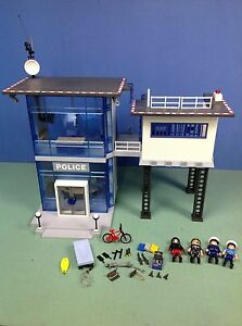 De police playmobil vendre acheter d 39 occasion ou neuf avec shopping participatif - Caserne de police playmobil ...