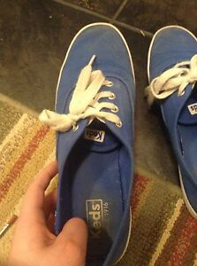 Gently user blue women's size 7 keds