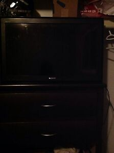 Tv with wall mount $120 OBO