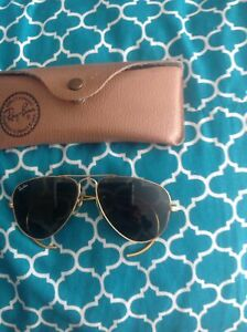 Children's vintage ray bans in mint condition $40