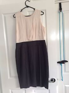 Ladies Size 16 Cream and Black Dress Forrestdale Armadale Area Preview