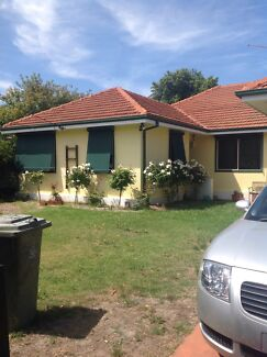 fully furnished Room for rent close to public transport Hampton East Bayside Area Preview