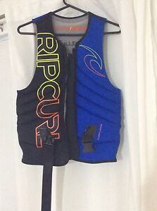 Rip curl life jacket Bedfordale Armadale Area Preview