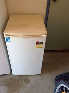 Kelvinator Bar Fridge Fridges Amp Freezers Gumtree