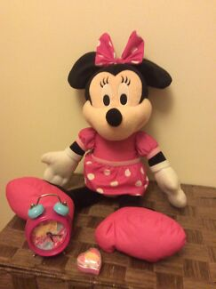 Music mini mouse and barbie clock and sharpener