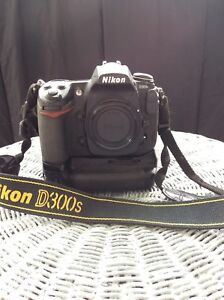 Nikon D300S body and MB D10 battery pack