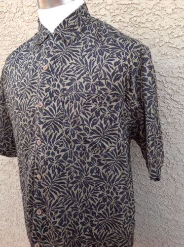Tommy Bahama Relax Medium 100% Silk Brown/Black Stamped Tropical Shirt B52
