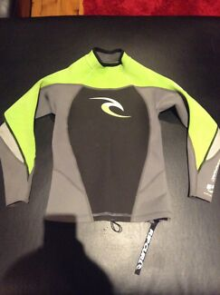 Ripcurl wetsuit top basically new size 12 Belmont Lake Macquarie Area Preview