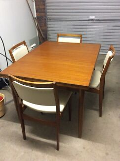 Extension dining table Bundamba Ipswich City Preview