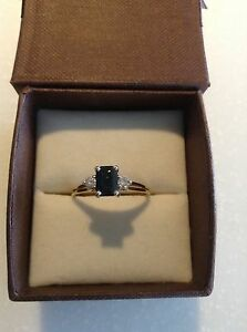 BEAUTIFUL NATURAL SAPPHIRE AND DIAMOND RING IN 18ct Y/G Kangaroo Point Brisbane South East Preview