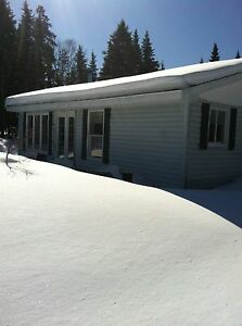 Great Two Bedroom House, Baxter's Corner, Utilities Incl. ™