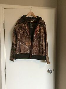 Women's Under Armour Camo Jacket Size L
