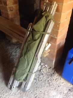 Army stretcher bed and bag Bolton Point Lake Macquarie Area Preview