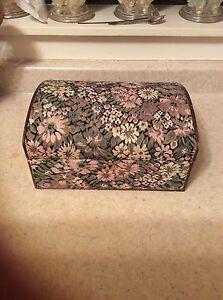 Tapestry jewel box