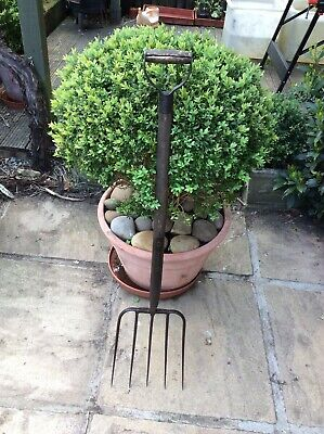 Vintage 5 tined hay garden fork - English Tools Ltd - Dreadnought
