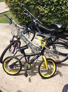 Bicycle set Carey Bay Lake Macquarie Area Preview