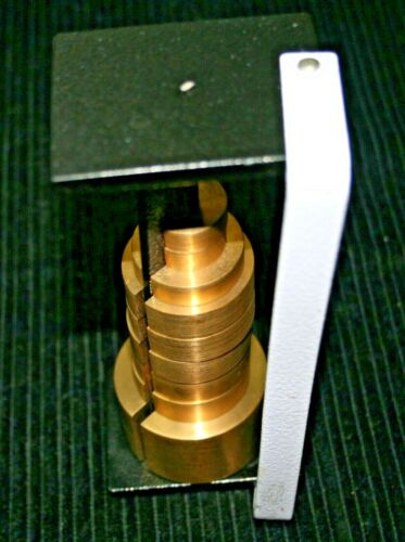 SLOTTED WEIGHT SET BRASS  500, 100, 50, 20, GM SET OF 9 EACH