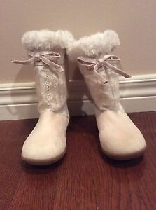 Girl boots- Old Navy size 10/11- see all pictures