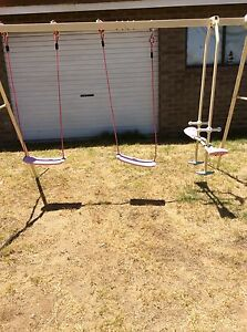 Free swing set Spearwood Cockburn Area Preview