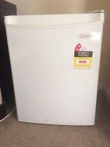 Mini fridge Riverton Canning Area Preview