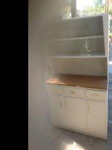 Kitchen dresser/cabinet