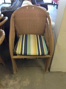 HfH ReStore WEST - stackable patio chairs