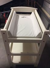 Baby change table Bonnells Bay Lake Macquarie Area Preview