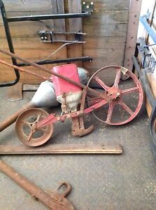 Vintage collectable farm seeder Bendigo Bendigo City Preview