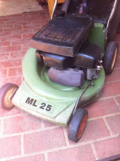 Lawn mowers  Glenmore Park Penrith Area Preview
