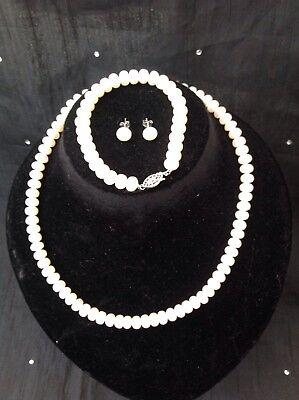 Button Pearl Necklace Bracelet Earrings (B0859 Freshwater button Pearl Necklace, Bracelet And Earrings Set.  )