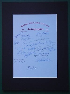 1950's - 1970's MANCHESTER UNITED PLAYERS SIGNED DISPLAY x 20 LEGENDS - NO. 5