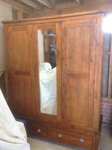 MAHOGANY TRIPLE DOOR WARDROBE