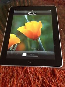 Apple-iPad-1-originale-WiFi-3G-64GB-modello-A1219-display-9-7-034