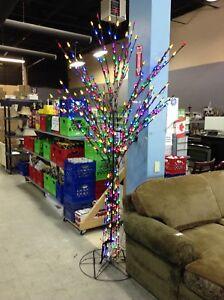 Light up Tree @HFHGTA NY ReStore