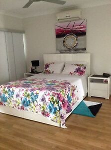 Queen bed and side cabinets Kewarra Beach Cairns City Preview