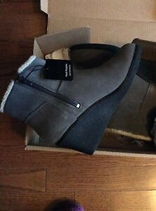 Brand new in box hush puppies boots size 8.5