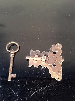 großes Schloß Schnappschloß mit Schlüssel -verziert- Neu