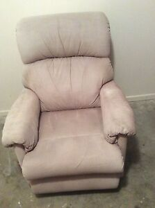 Armchair  recliner Coombabah Gold Coast North Preview