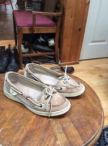 Leather Sperry size 6