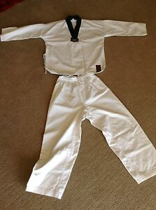 Taekwondo/ martial arts  uniform suit 10-12 year old Woodvale Joondalup Area Preview