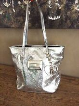 GUESS what?? Near new Guess Tisha Tote handbag!!! Thornton Maitland Area Preview
