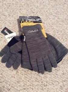 Cabela's women's hat and glove set