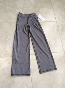 Ivivva Action pants never worn,  with tags  attached ,size 8