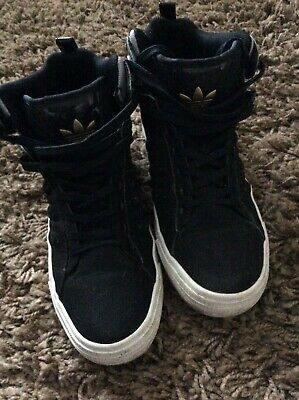 Adidas trainer shoe/boot style black mens/boys size 8