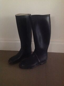 Rubber riding boots size 9 (39) Hallett Cove Marion Area Preview