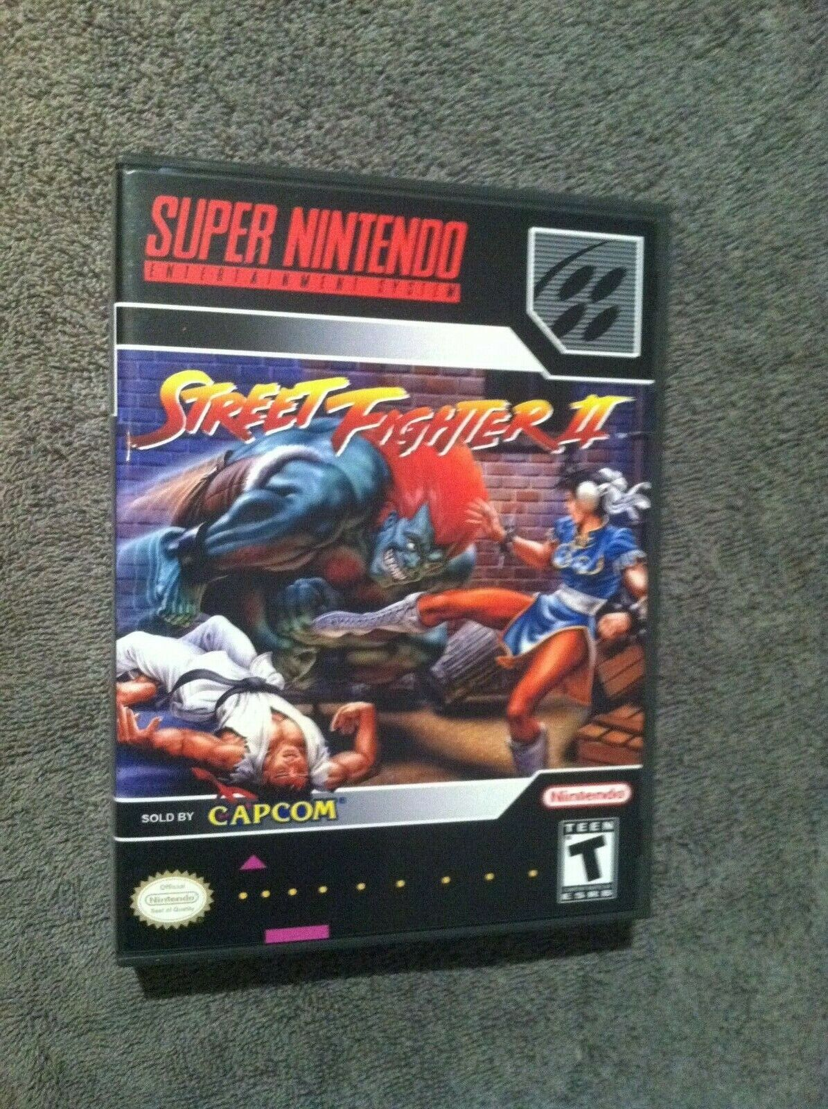Street Fighter II Super Nintendo Game Case And Manual - $3.25