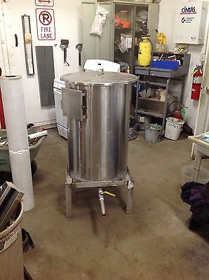"65 Gallon Stainless Steel Vessel with 1 1/8"" Bottom Drain, Lid, and Stand"