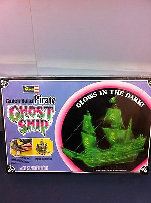 1978 Revell Quick Build Pirate Ghost Ship Model Kit SEALED W/5 Pirate Figures