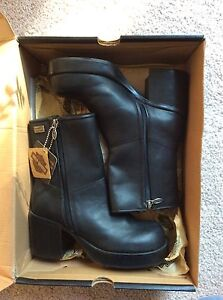 Harley Davidson riding boots, brand new lady size 6 or 6 1/2