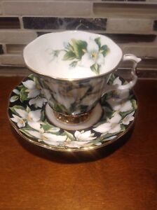 Royal Albert England Bone China Provincial Flowers Trillium Cup